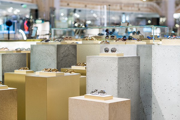Linda Farrow Sunglasses Gallery in Popup Concession